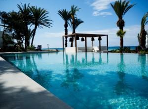Almyra pool