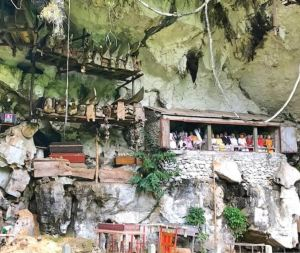 Cave statues
